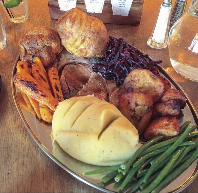 oaks sunday roast platter close up